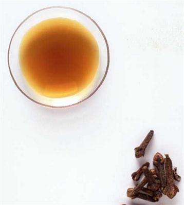 clove oilClove oil with 85% eugenol Clove oil Eucalyptus oil(8000-34-8)