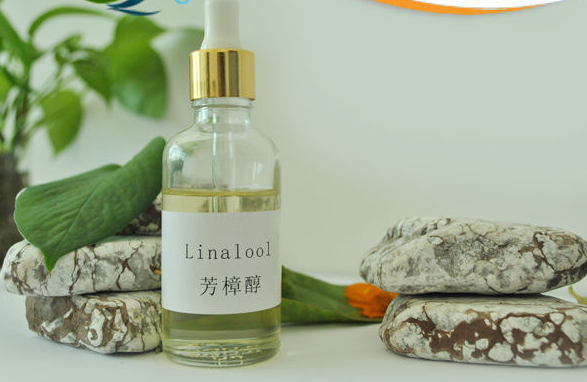 100% natural and high quality Linalool(78-70-6)